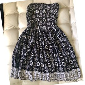Abercrombie/Girls Black and White Dress